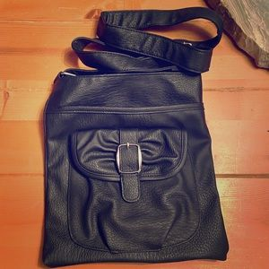 ⏰⏰⏰Cross body bag, EUC, leather feel⏰⏰⏰